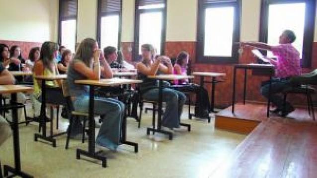 El Consejo Escolar pide que los centros decidan si ponen alternativa a la Religión