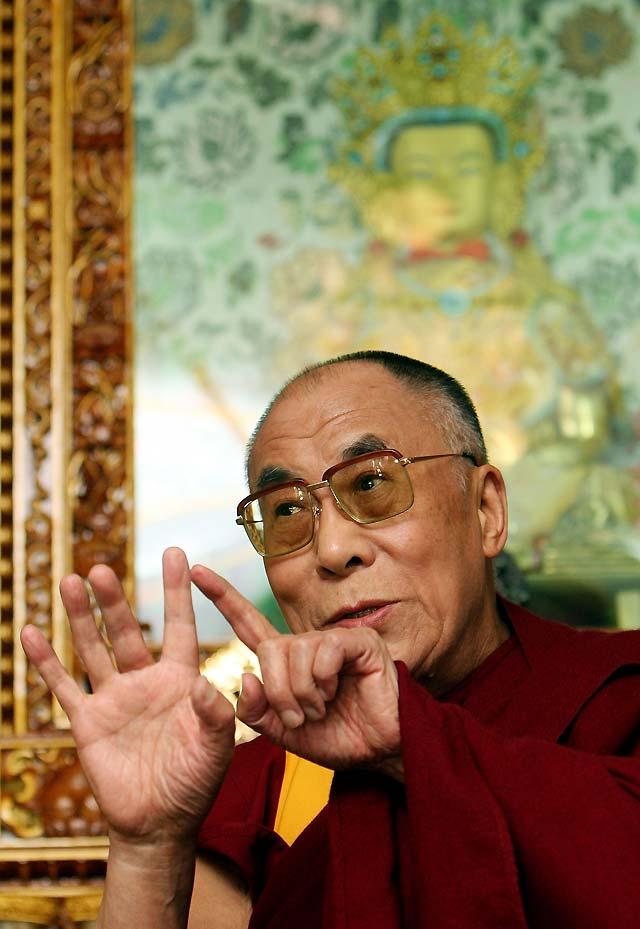 El Dalai Lama amenaza con dimitir si la violencia se descontrola en el Tíbet