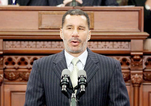 Un afroamericano invidente es ya nuevo gobernador del estado de Nueva York