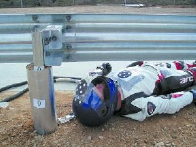 Fomento coloca una protección para motoristas muy peligrosa