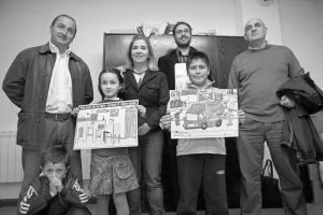 Premiados entre 1.300 trabajos los mejores dibujos del Día del Padre