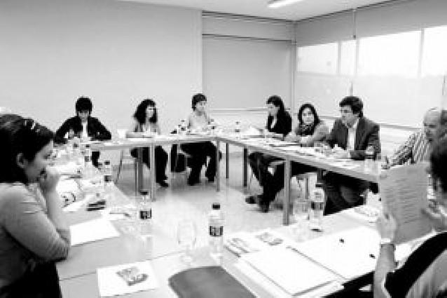 Primera reunión de la Mesa de la Juventud durante esta legislatura
