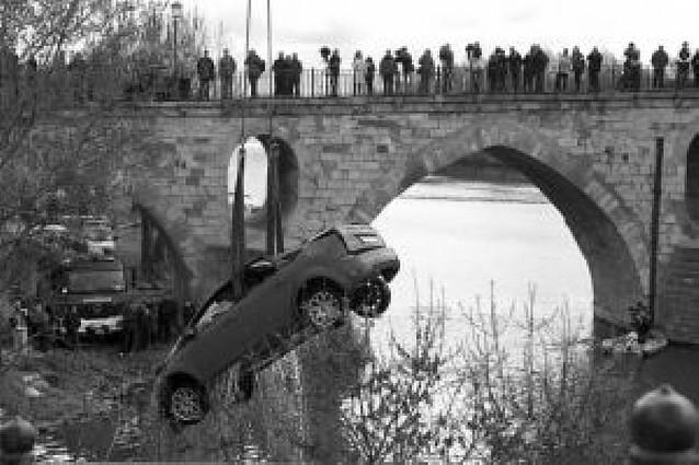 Fallece un joven de 21 años tras caer con su coche al río Duero