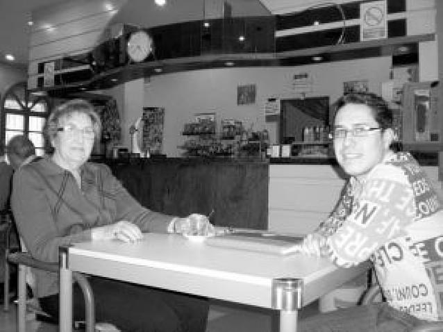 Los mayores de Peralta, a la mesa