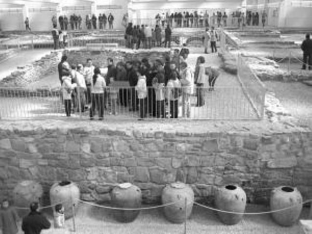 Mil personas visitan la Villa de las Musas de Arellano en su apertura