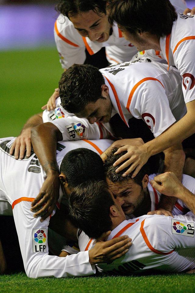 El Valencia pasa a la final tras un partido intenso ante un Barcelona que no se rindió (3-2)