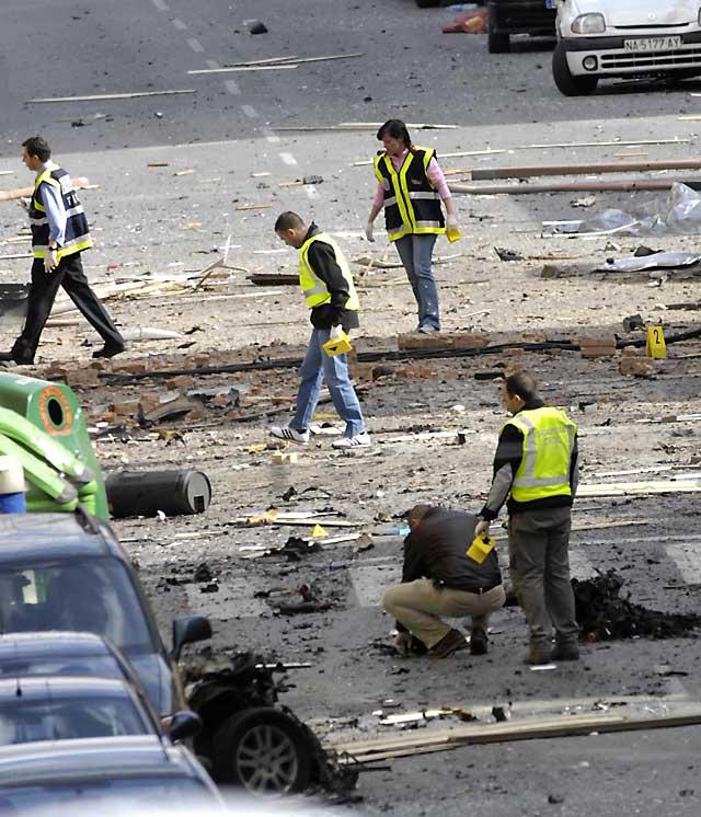 ETA hace estallar un coche-bomba en el cuartel de la Guardia Civil de Calahorra