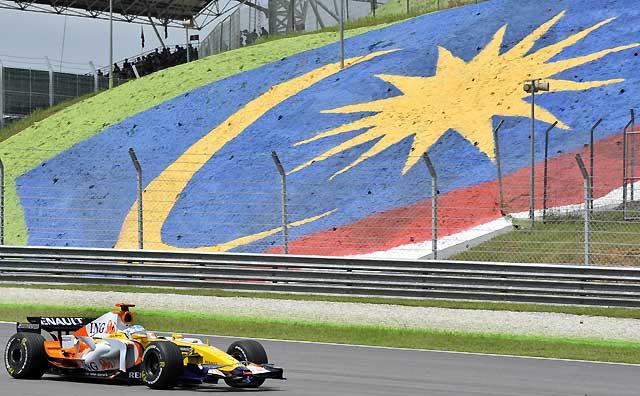 Kovalainen y Hamilton, sancionados con la pérdida de cinco puestos