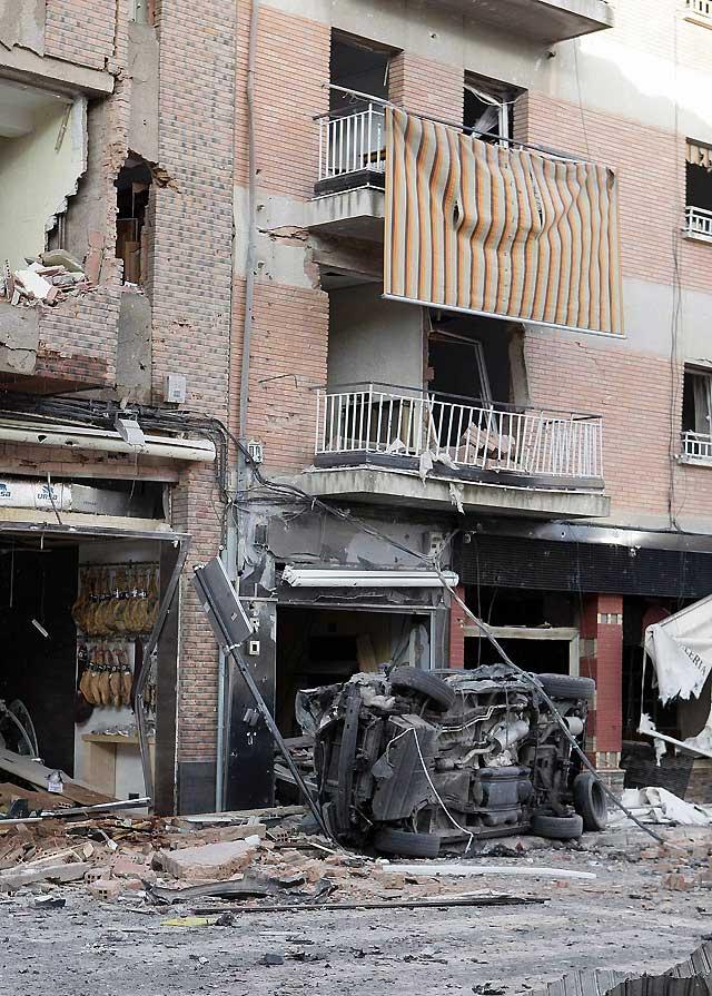 El coche-bomba que estalló ayer en Calahorra tenía unos 70 kilos de explosivos