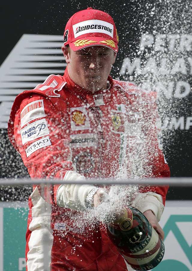 Kimi Raikkonen (Ferrari) vence con autoridad en Sepang