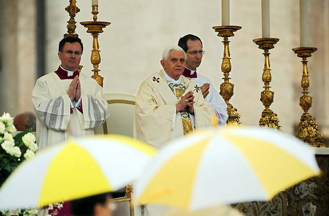 El Papa lanza un llamamiento a la paz en Darfur, Somalia, Oriente Próximo, Irak, Líbano y Tíbet