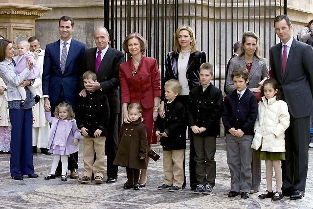 La Familia Real asiste a la misa del Domingo de Resurrección en la Catedral de Mallorca