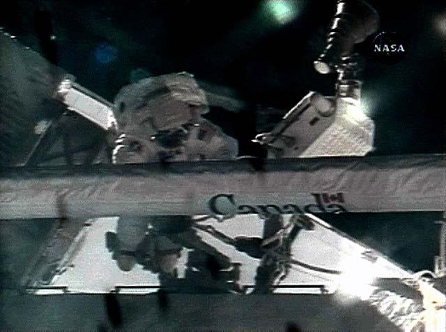 La tripulación del Endeavour cumple con éxito su misión y se prepara para volver a la Tierra
