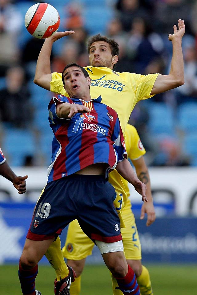 El Villarreal impuso su calidad al infortunio del Levante (1-2)