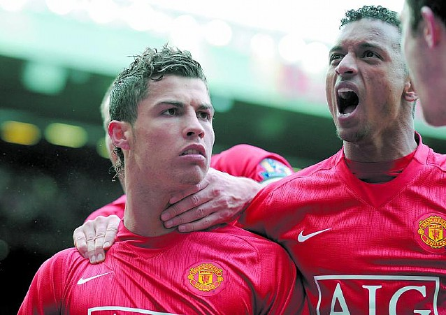 Cruyff critica a Ronaldinho, pero sin citarlo