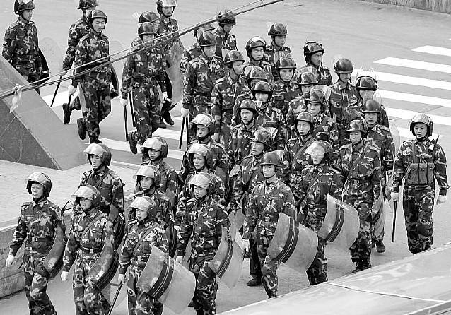 China dice que las regiones tibetanas están en calma pero siguen selladas