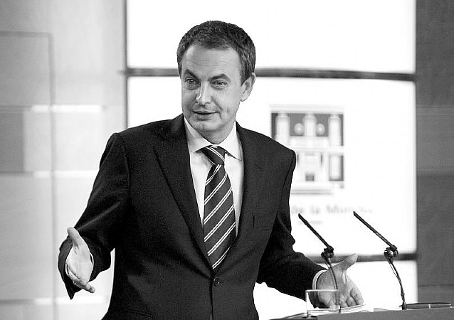 Zapatero se decide por la continuidad en el Gobierno, con algunos cambios