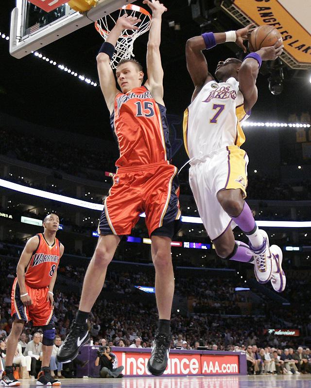 El buen partido de Bryant y Odom no basta para que los Lakers suplan a Gasol