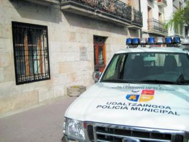 La Policía de Alsasua lleva mes y medio con sólo un agente por turno