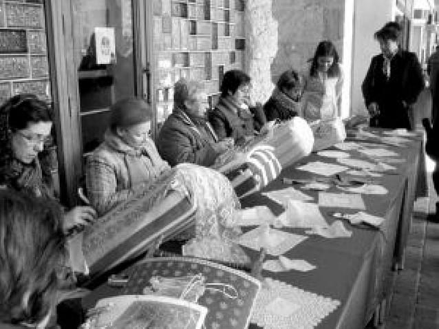 Treinta artesanos participaron en la vigésimo sexta edición de la feria de Estella