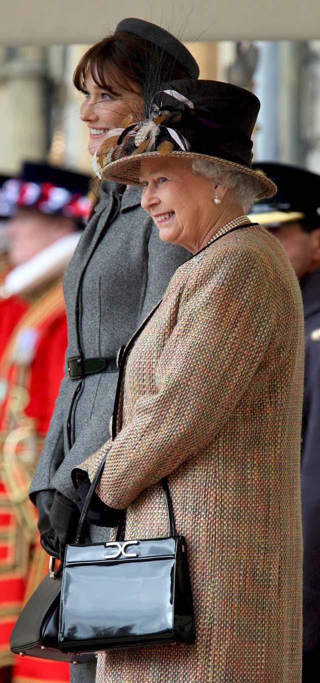 La elegancia de Bruni conquista a los británicos