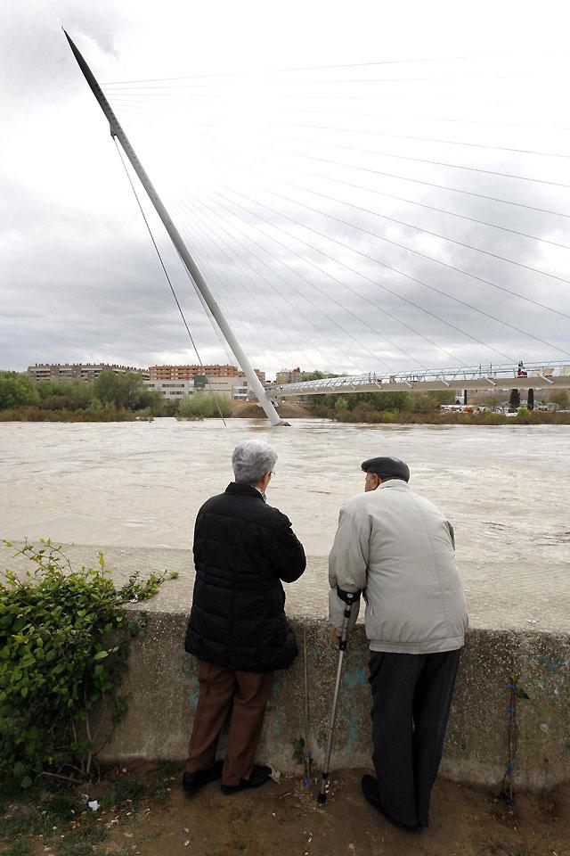 Gistau dice que crecida Ebro no afectará a plazos ni obras de la Expo