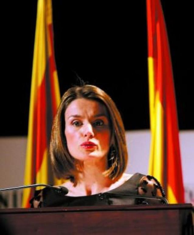 Doña Letizia, ovacionada por hablar en catalán
