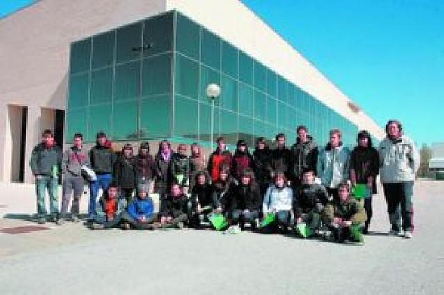 Más de 60 estudiantes de secundaria visitan la UPNA