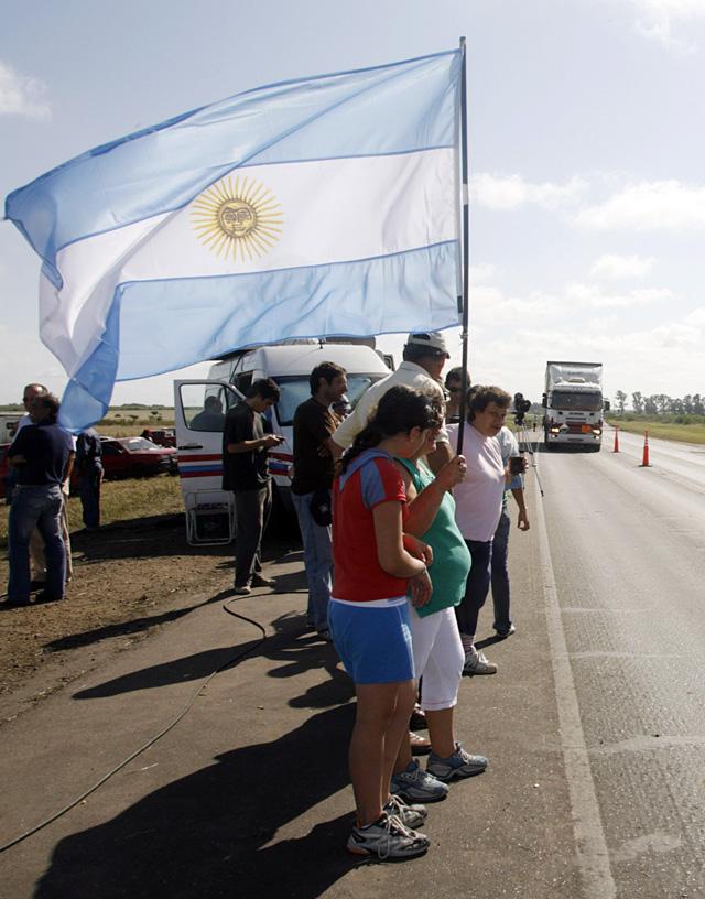 Bloqueos parciales en Argentina por el paro agrario en espera de dialogar con el Gobierno