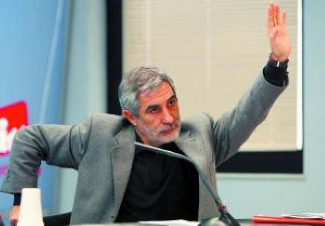 IU deja en manos de Llamazares el voto en la sesión de investidura