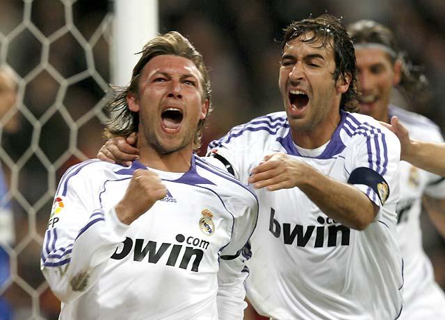 El Real Madrid cura sus males para acariciar el título (3-1)