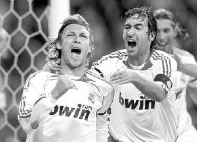 El Madrid da un golpe a la Liga