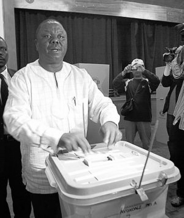 La oposición dice que según sus datos ha ganado las elecciones