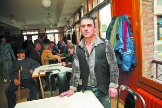 Roban por valor de 3.000 euros en el bar de la asociación de jubilados