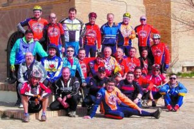 Un total de 26 cirboneros peregrinan hasta el castillo de Javier en bicicleta