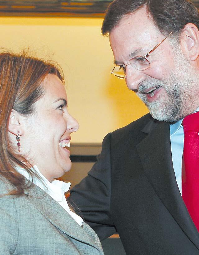 Rajoy inicia la renovación del partido con Soraya Sáenz de Santamaría de portavoz