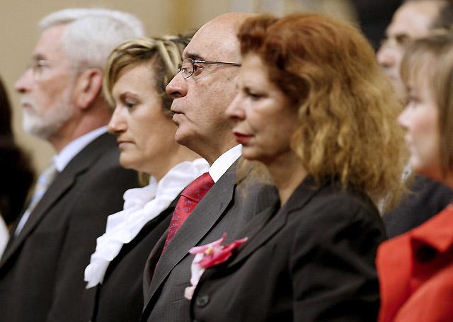 La Cámara Alta guarda un minuto de silencio en recuerdo al senador socialista Carlos Chivite