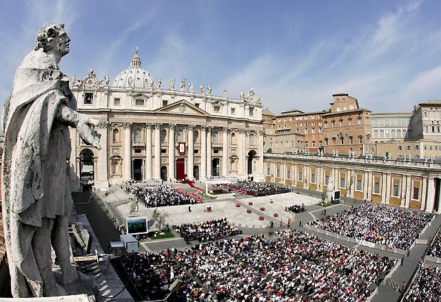 """El papa Benedicto XVI destaca las cualidades """"humanas y sobrenaturales"""" de Juan Pablo II"""