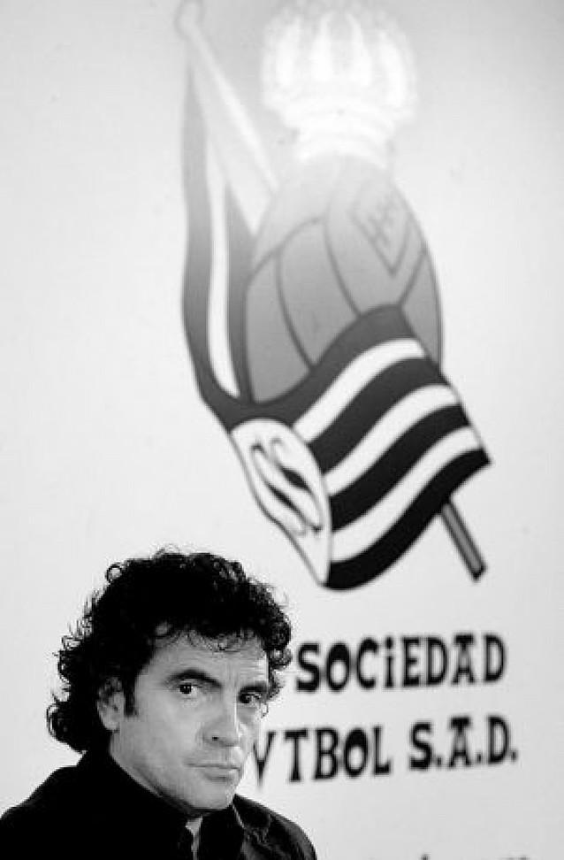 Badiola destituye a Eizmendi y lo sustituye con Juan Manuel Lillo