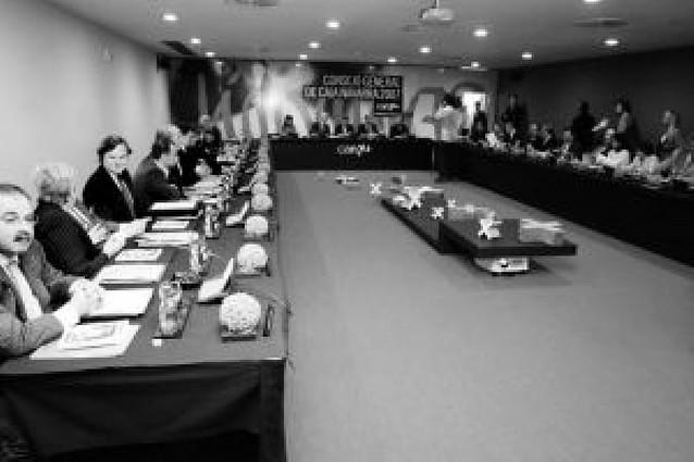 UPN, NaBai y PSN intentan pactar el reparto de sus representantes en la Can