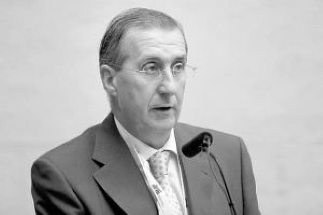Javier Sanz tomará posesión de senador de inmediato