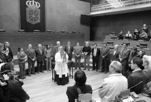 El Ángel de Aralar, recibido por Gobierno y Parlamento foral