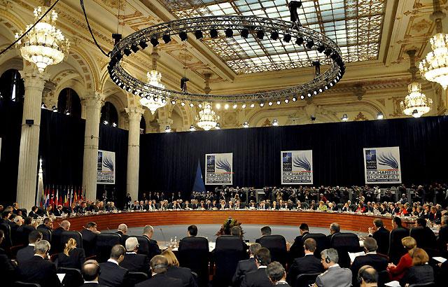 La OTAN invita a Croacia y Albania a adherirse a la Alianza, pero deja fuera a Macedonia