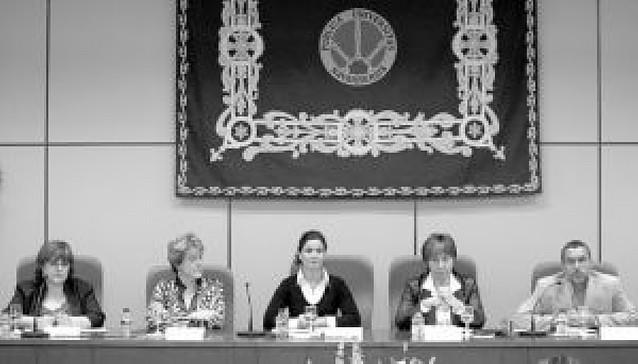 """Profesionales apuestan por los """"derechos sociales"""""""