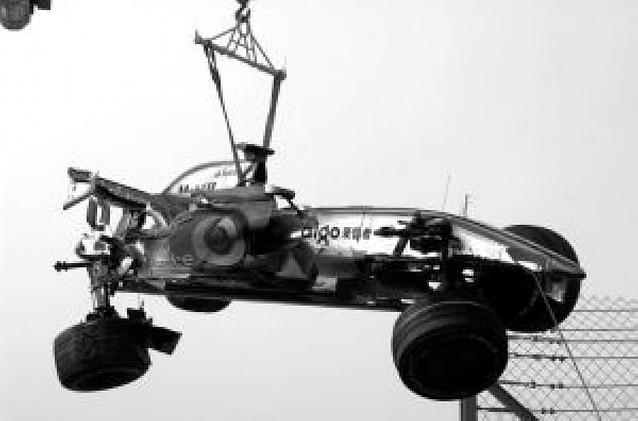 Hamilton destrozó su McLaren