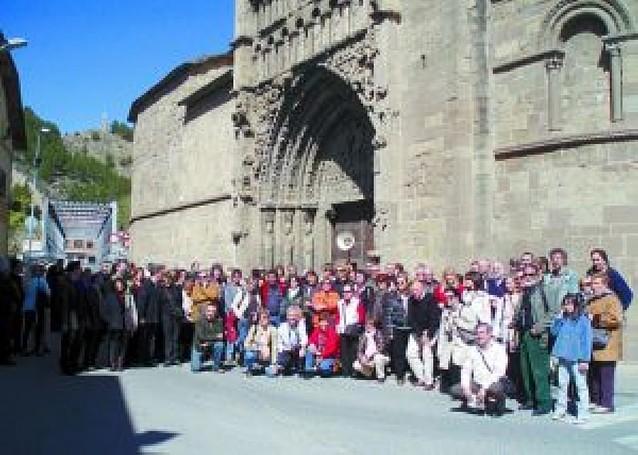 150 personas reclaman en Sangüesa la urgente restauración de Santa María