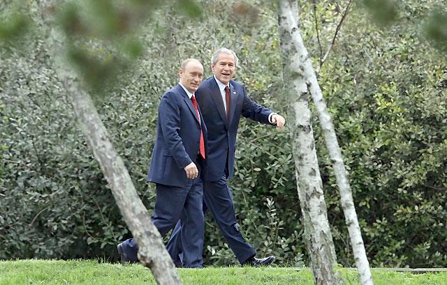Bush y Putin no logran un acuerdo sobre el escudo antimisiles en su última cumbre como presidentes