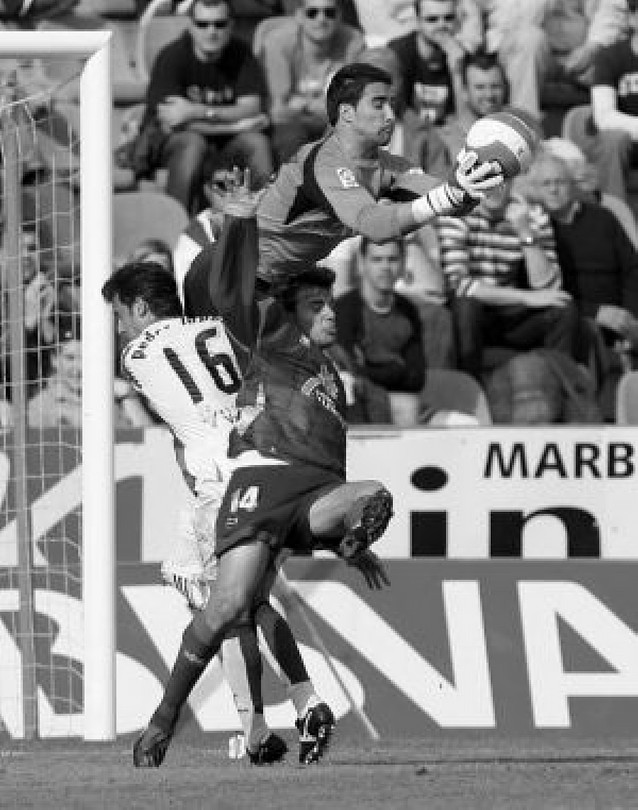 El Valladolid se aferra a Primera ante un Levante resignado