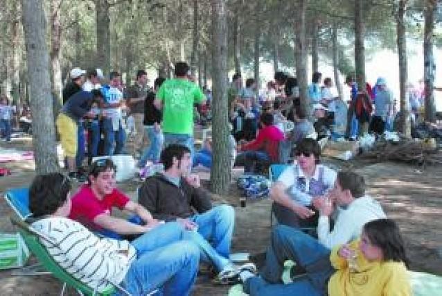 Cientos de corellanos en la romería al Villar
