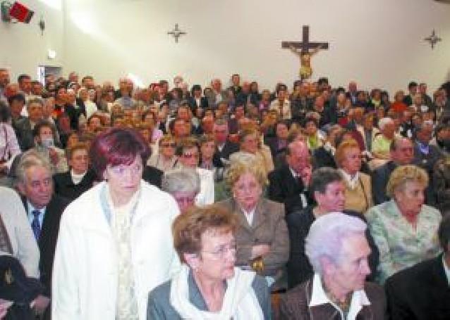 La iglesia de Buztintxuri se quedó pequeña en su inauguración